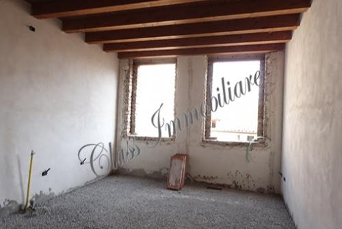 Casetta mantovana laterale via Giulio Romano