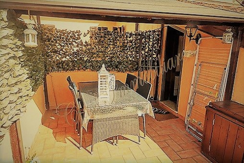 Bell\'appartamento con 2 letto e terrazzo zona via Arrivabene