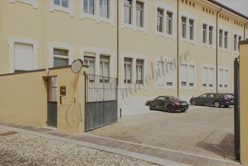 Nuovi garages in centros storico. Rara opportunità