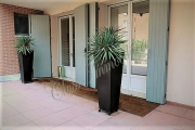 Bell\'ufficio con ampio giardino zona Torrette