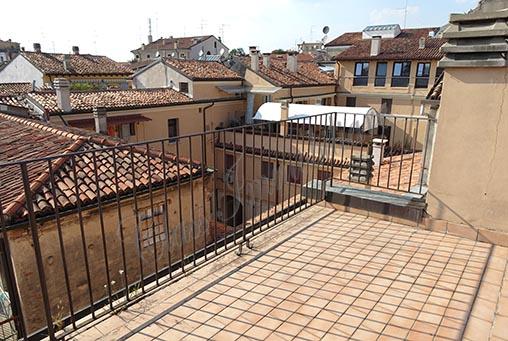 Affascinante proprietà di 135 mq. con terrazzo in centro storico