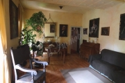 Appartamento dalle generose metrature in palazzo vincolato