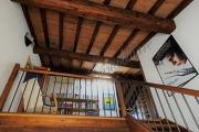 Casa mantovana con ampio terrazzo laterale via Frattini